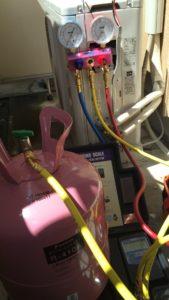 エアコン修理・ガス補充